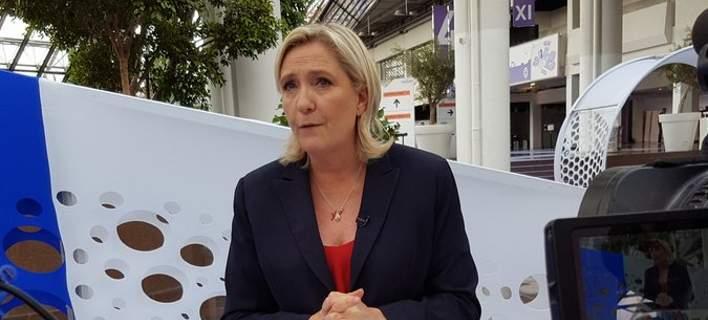 Με χρήματα απ' το ταμείο του πατέρα της θα χρηματοδοτήσει η Μαρίν Λεπέν την προεκλογική της εκστρατεία