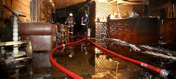 Τρεις νεκροί από φωτιά σε ξενοδοχείο της Κωνσταντινούπολης –Ηταν κλειδωμένη η έξοδος κινδύνου!
