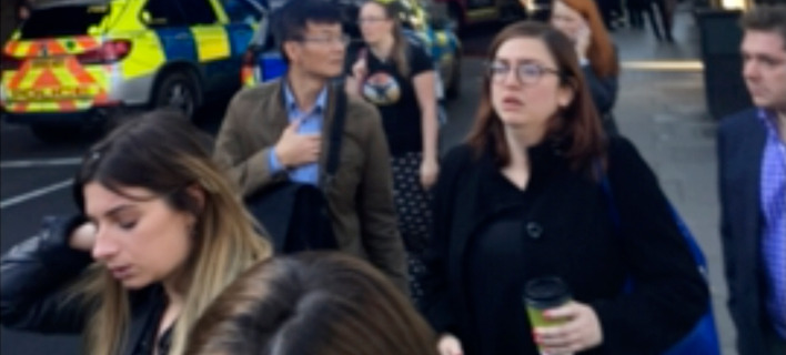 Πανικός επικράτησε σε στάση του μετρό του Λονδίνου / Φωτογραφίες: (@Alex Littlefield via AP)