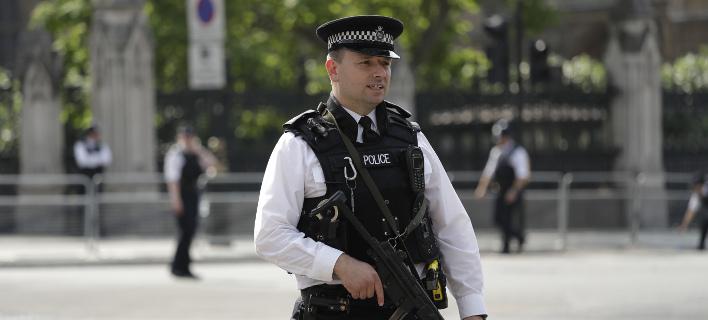 Ερευνα για ύποπτο πακέτο στο βρετανικό κοινοβούλιο (Φωτογραφία αρχείου: AP/ Matt Dunham)