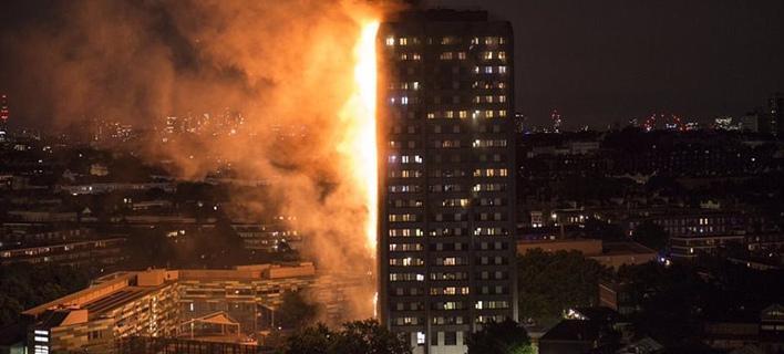 Τρομακτική φωτιά στο Λονδίνο -Καίγεται κτίριο 27 ορόφων,  φόβοι για εγκλωβισμένους