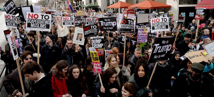 Νέο «κύμα» κατά Τραμπ -Χιλιάδες διαδήλωσαν σε Ευρώπη και ΗΠΑ [εικόνες & βίντεο]