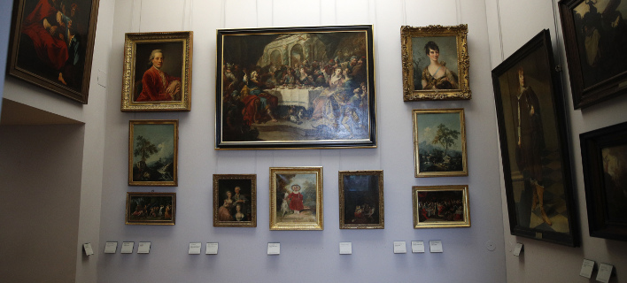 Το Λούβρο θέλει να επιστρέψει αυτούς τους πίνακες στους ιδιοκτήτες τους (Φωτογραφία: AP/ Christophe Ena)
