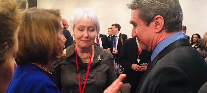 Θέμα στον Independent και στο Politico η ερώτηση του Λοβέρδου στην Νάνσι Πελόσι