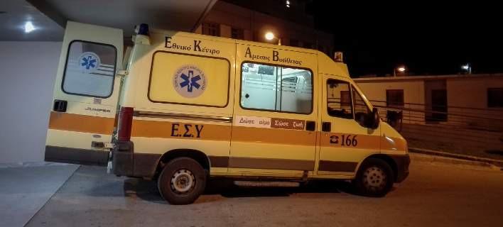 Ασθενοφόρο του ΕΚΑΒ (Φωτογραφία: EUROKINISSI/ΘΑΝΑΣΗΣ ΚΑΛΛΙΑΡΑΣ)
