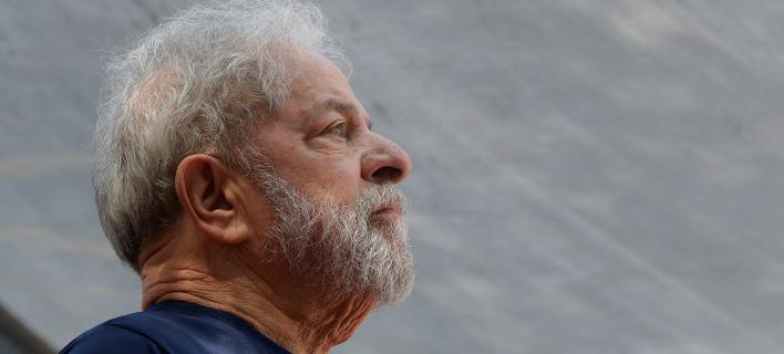 O 72χρονος Λουίς Ινάσιο Λούλα ντα Σίλβα, είναι το  φαβορί στις δημοσκοπήσεις παρά την φυλάκισή του (Φωτογραφία: ΑΡ)