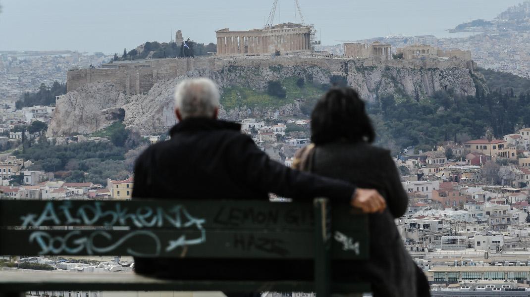 Ανοιξη στο Λυκαβητό με θέα την Ακρόπολη - Φωτογραφία: Intimenews/ΛΙΑΚΟΣ ΓΙΑΝΝΗΣ
