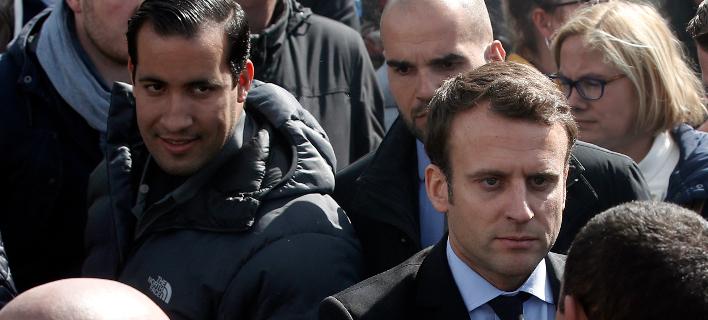 Ο Γάλλος πρόεδρος με τον πρώην στενό του συνεργάτη/Φωτογραφία: AP