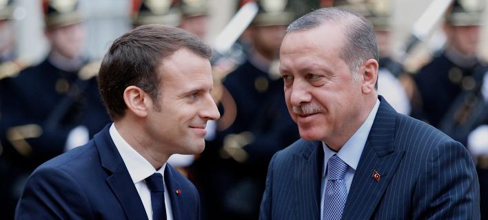 Εμανουέλ Μακρόν και Ρετζέπ Ταγίπ Ερντογάν. Φωτογραφία: AP
