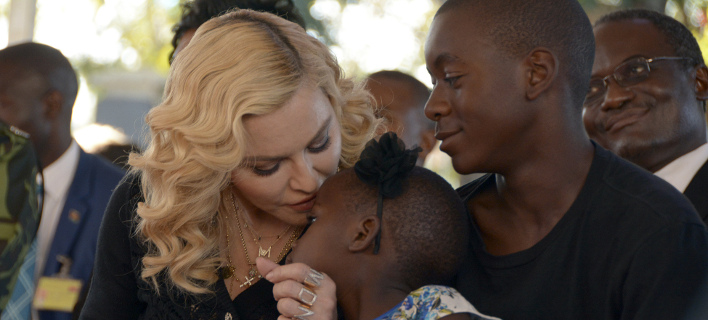 Η Μαντόνα με τα παιδιά της, Στέλλα και Ντέιβιντ, Φωτογραφία: Αpimages