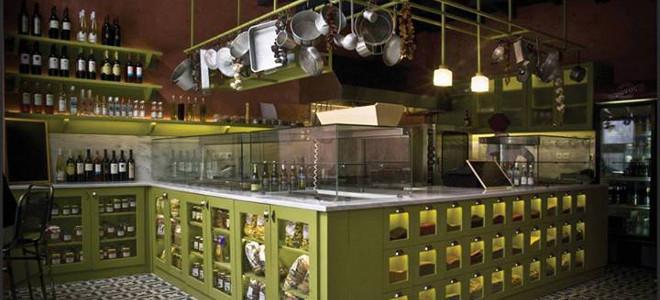 Μάνας Κουζίνα-Κουζίνα: Το πιο ξεχωριστό μαγειρείο νέας γενιάς με τις παραδοσιακές γεύσεις που θα λατρέψετε [εικόνες]