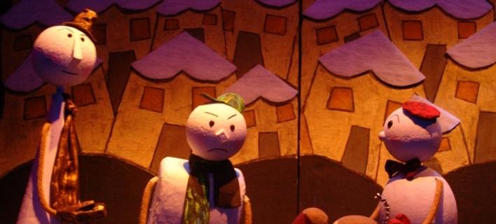 Το «Μαιρηβή» στου Ψυρρή δεν είναι ένα συνηθισμένο κουκλοθέατρο. Εδώ οι κούκλες, είναι Μαρότες! [εικόνες]