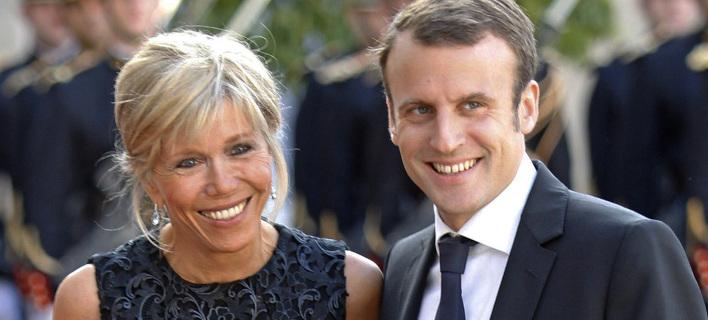Μπριζίτ Τρονιέ και Εμμανουέλ Μακρόν. Φωτογραφία: AP Photo/Jacques Brinon
