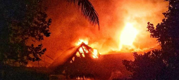 Η φωτιά ξέσπασε λίγο πριν τα μεσάνυχτα της Τετάρτης και εξαπλώθηκε γρήγορα (Φωτογραφία: Instagram)