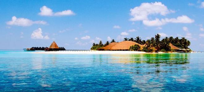 Οι ωραιότερες παραλίες στον κόσμο, για βουτιές στο απέραντο γαλάζιο [εικόνες]
