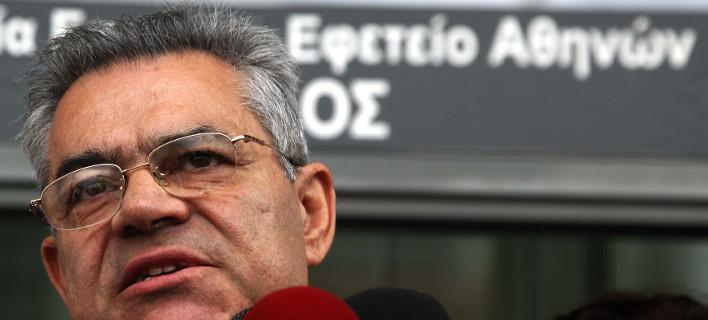 Ο Τάσος Μαντέλης έξω από το Εφετείο /Φωτογραφία Αρχείου: Eurokinissi