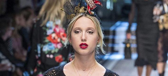H εγγονή του τέως, μοντέλο -Ανέβηκε στην πασαρέλα με Dolce Gabbana [εικόνες]