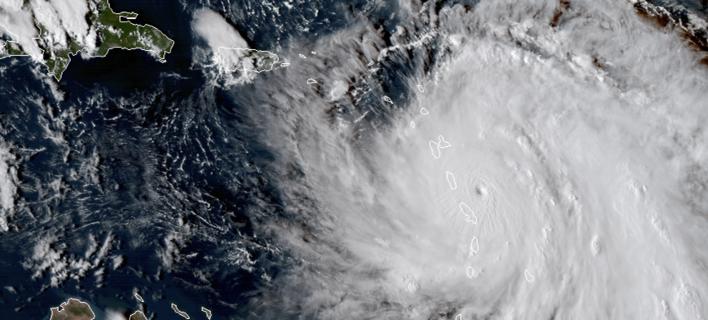 Φωτογραφία: Ο κυκλώνας κατηγορίας 5 «Μαρία» πλήττει τη Δομίνικα Associated Press