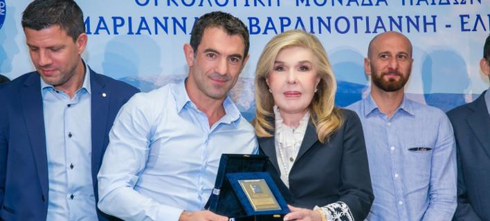 Ο Σύλλογος «ΟΡΑΜΑ ΕΛΠΙΔΑΣ» τιμά την «Εθνική Ελλάδος 2004» για τη πολύτιμη συμβολή τους στην εκστρατεία του