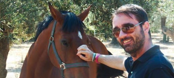 Έφυγε στα 42 του χρόνια ο δημοσιογράφος Μάρκος Τσάκας