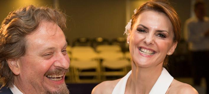 Παντρεύτηκαν Θανάσης Οικονόμου - Κατερίνα Μάρκου