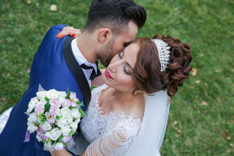 Ο γάμος κοστίζει και οι Αμερικανοί δανείστηκαν πάνω από 3,5 δισεκατομμύρια δολάρια για να παντρευτούν το 2017.