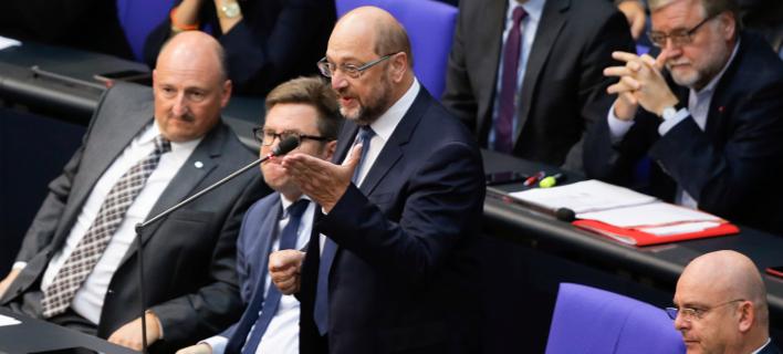 O πρώην πρόεδρος των Γερμανών Σοσιαλδημοκρατών, Μάρτιν Σουλτς στο βήμα της Bundestag (Φωτογραφία: ΑΡ)