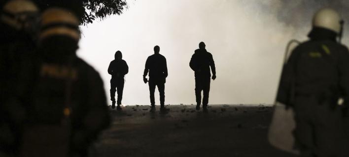 Επεισόδια μεταξύ οπαδών του Αγιαξ με ΜΑΤ (Φωτογραφία: MotionTeam/ΤΡΥΨΑΝΗ ΦΑΝΗ)