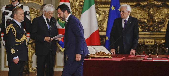 Ο Ματέο Σαλβίνι με τον Σέρτζιο Ματαρέλα/ Φωτογραφία: AP- Gregorio Borgia