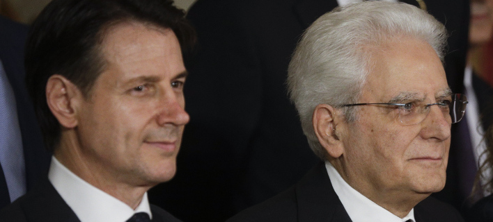 Ο Σέρτζιο Ματαρέλα και ο Τζουζέπε Κόντε/ Φωτογραφία AP images