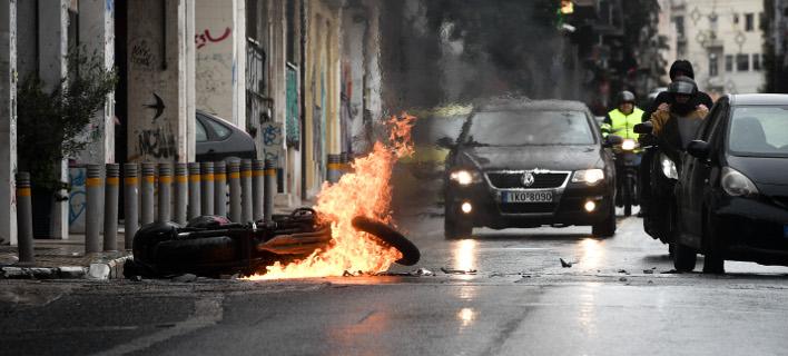 Αποτέλεσμα εικόνας για μαχαίρωσαν άντρα στο κέντρο της Αθήνας