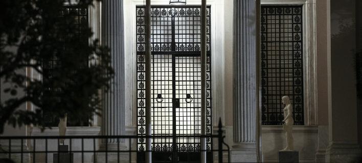 Τώρα στην κυβέρνηση ξορκίζουν τα σενάρια εκλογών: Καταστροφικές πριν το κλείσιμο της αξιολόγησης