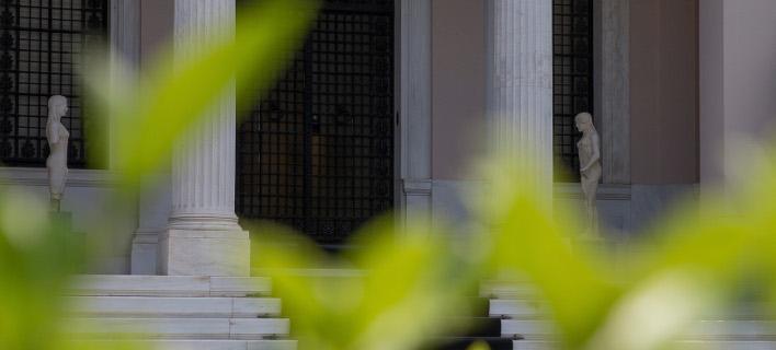 Η Κυβέρνηση επεξεργάζεται δοκιμαστική έξοδο στις αγορές για τον Ιούλιο