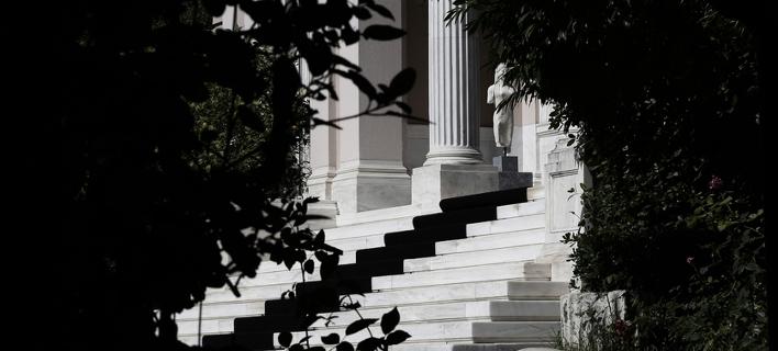 Ο «κόφτης» ήρθε για να μείνει -Λύση οπισθοχώρησης από την κυβέρνηση για να κλείσει η αξιολόγηση
