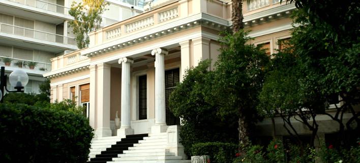 Le Monde: Εκλογές στις 2 Αυγούστου και κυβέρνηση εθνικής ενότητας, αν αποτύχουν οι διαπραγματεύσεις