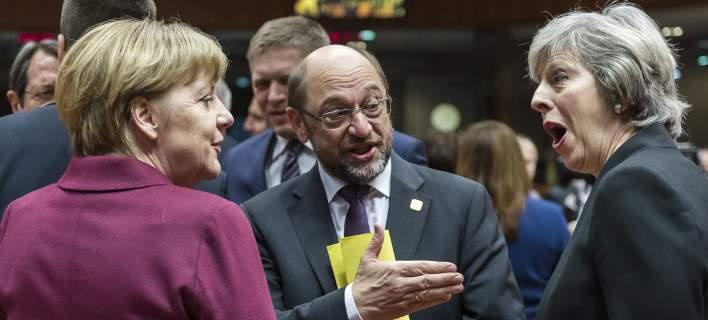 Σφίγγει η τανάλια γύρω από την Ευρώπη: ΗΠΑ, Ρωσία, Βρετανία θέλουν τη διάλυσή της