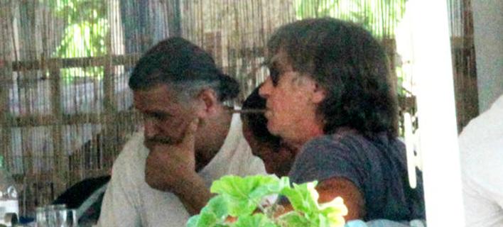 Οι Θωμάς Μαύρος (δεξιά) και Νίκος Βαμβακούλας (αριστερά) -Φωτογραφίες: ΧΡΗΣΤΟΣ ΜΠΟΝΗΣ//EUROKINISSI