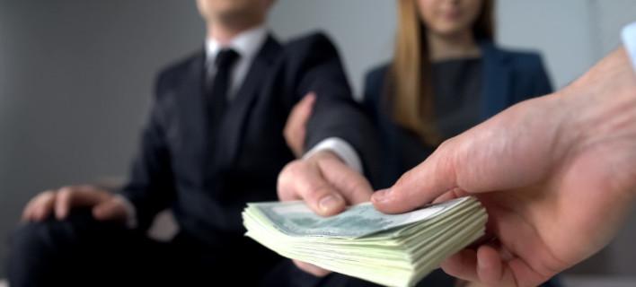 Συνέταιρος το κράτος στις επιχειρήσεις /Φωτογραφία: Shutterstock