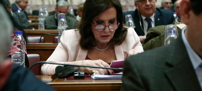 Η Θεοδώρα Μεγαλοοικονόμου στη Βουλή /Φωτογραφία: Ιntime News