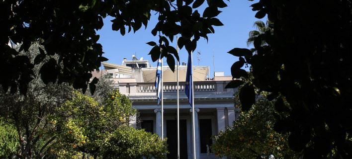 Μαξίμου για ΝΔ: Αναγκάστηκαν με non paper να στηρίξουν τον κ. Μητσοτάκη