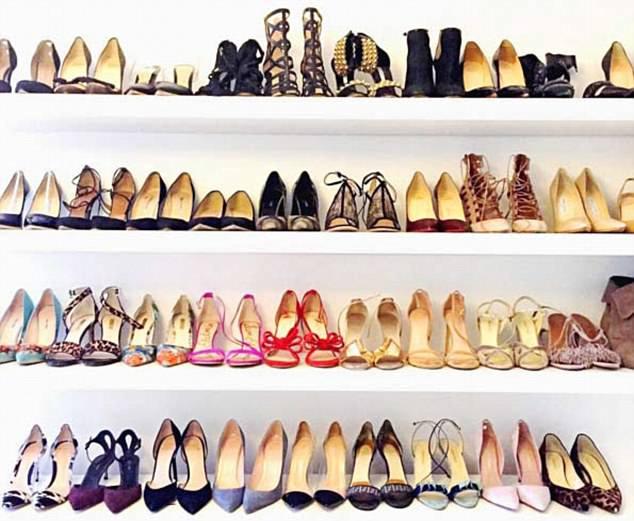 599c27faa32 Τα ακριβά γούστα της Μέγκαν Μαρκλ -Τα δεκάδες παπούτσια και το Cartier  ρολόι [εικόνες