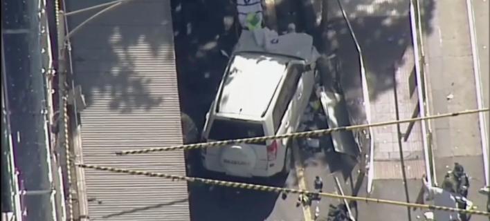 Φωτογραφία: AP/ Βίντεο- Ντοκουμέντο: Η στιγμή που το SUV αυτοκίνητο παρασύρει το πλήθος στην Μελβούρνη