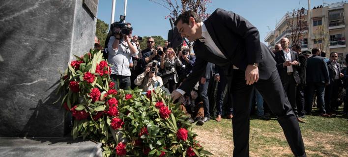 Ο Τσίπρας τίμησε τον ήρωα του ΚΚΕ Μπελογιάννη: Ανήκει σε όλους τους Ελληνες