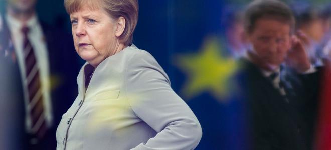 Μέρκελ: Για το ελληνικό Μνημόνιο θα μιλήσουμε αφού δούμε την έκθεση της Τρόικα