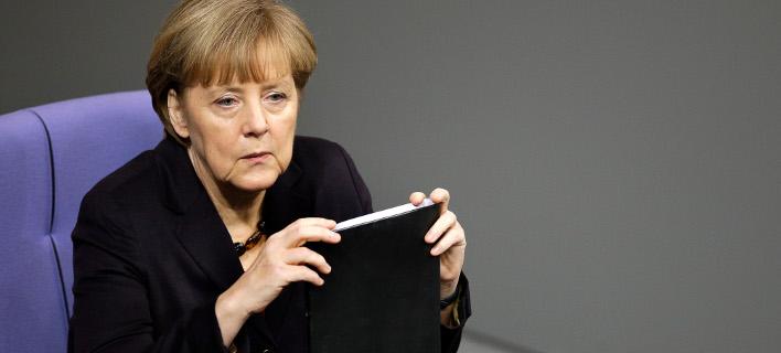 Η Μέρκελ απειλεί την Ελλάδα: Καμία βοήθεια χωρίς ανταλλάγματα