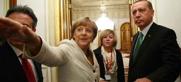 Τι φοβάται η Ευρώπη μετά την «καρατόμηση» Νταβούτογλου από τον Ερντογάν
