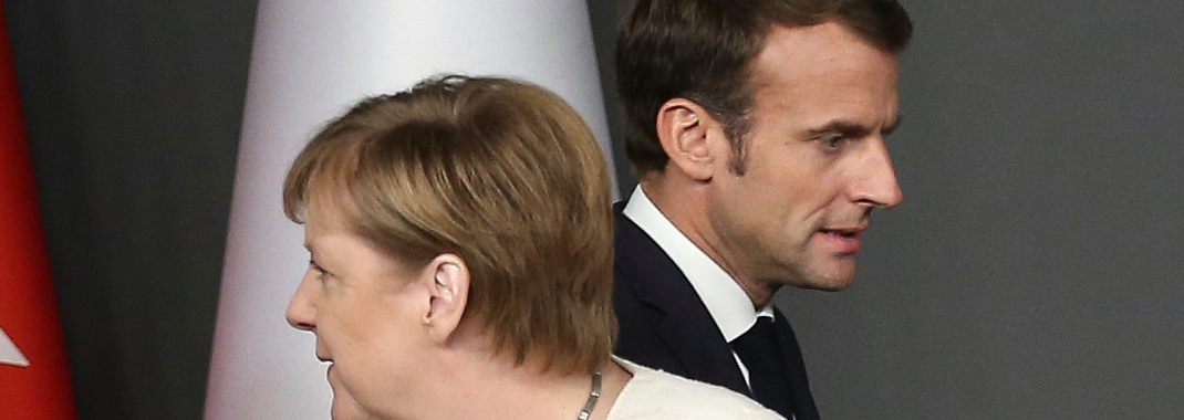 H Γερμανίδα καγκελάριος και ο Γάλλος πρόεδρος (Φωτογραφία: (Arif Hudaverdi Yaman/Anadolu Agency via AP)