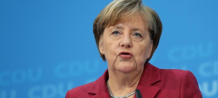 Μέρκελ: Ναι σε σταθερή κυβέρνηση με SPD, όχι σε κυβέρνηση μειοψηφίας