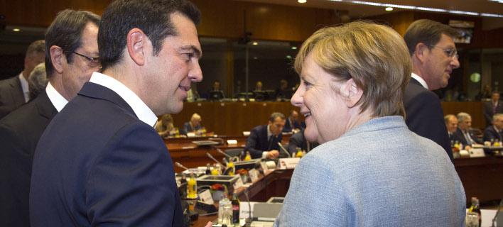 Το βλέμμα του Μαξίμου στο Βερολίνο -Γιατί ο Τσίπρας θέλει σύμπραξη Μέρκελ-Σουλτς