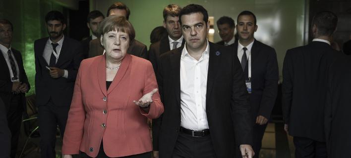 FT: Η Μέρκελ επέπληξε τον Τσίπρα για τις καθυστερήσεις στο προσφυγικό